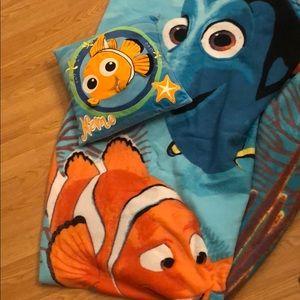 Finding Nemo Fleece Blanket and Matching Pillow